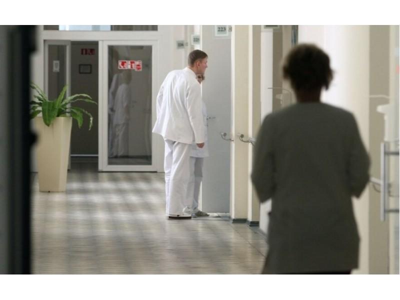 Antradienį – 32 nauji koronaviruso atvejai: tarp židinių – ir veteranų krepšinio turnyras Palangoje