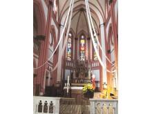 Į kultūros vertybių registrą įrašyti trys altoriai bei vitražai.