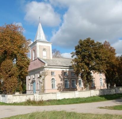 Būtingės evangelikų liuteronų bažnyčia pastatyta ir pašventinta 1824-aisiais metais. / J. Valančiūtės nuotr.