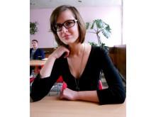 enosios gimnazijos abiturientė, Moksleivių klubo Jaunųjų žurnalistų klubo narė Jūratė Riepšaitė.