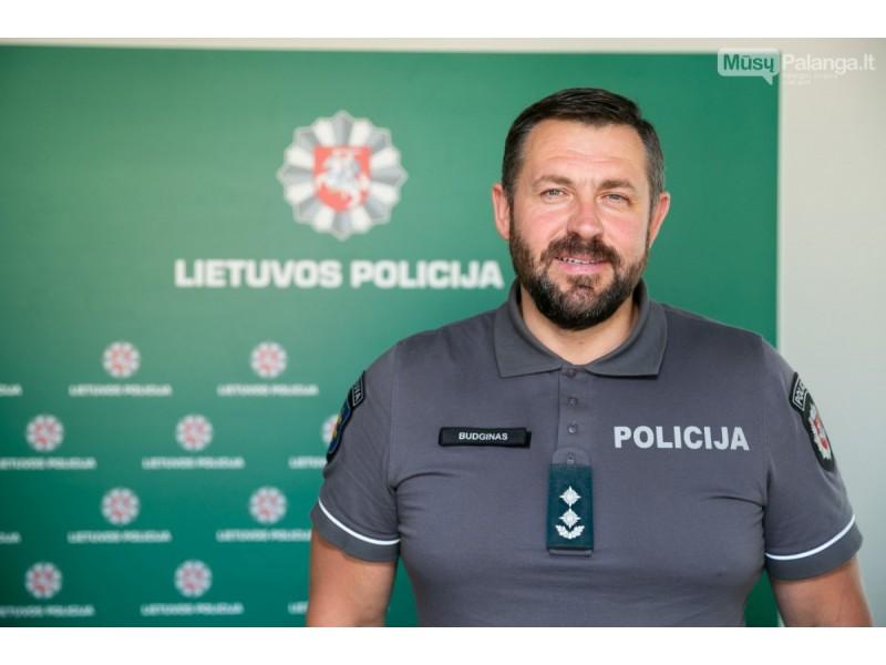 """Žemaičiuojantis Palangos policijos vadas – apie čeburekų legalizaciją, paryčių """"basankės"""" šturmą bei knygą, kurią rašo mintyse"""