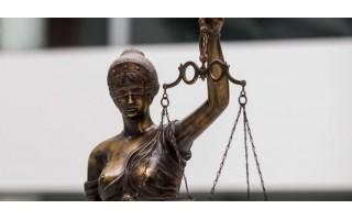 Teismas išteisino mirusio Palangos dailininko seserį ir jos draugą dėl paveikslų vagystės