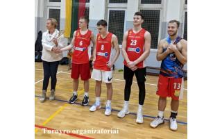 """Specialiai """"Palangos tiltui"""": Gimnazistų """"Naktinio krepšinio"""" turnyras vyko nuo 22 val. iki 4 val. ryto (FOTO GALERIJA)"""