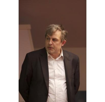 Palangą nuskalpavęs Svajūnas Bradūnas – Neringos savivaldybės vyriausiasis architektas