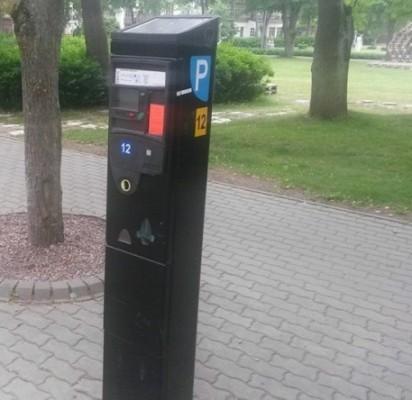 """Automobilių parkavimas """"Žaliojoje zonoje"""": 1 valanda – 6 litai"""