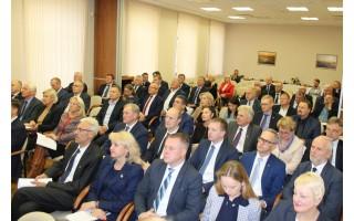 Šalies merai nori didesnių skolinimosi galimybių