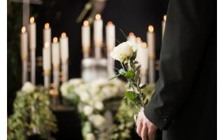 """Palangiškius mirtis itin glemžėsi metų pabaigoje, o laidotuvės dėl """"kovido"""" labai pasikeitė"""