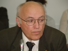 A. Stankus.
