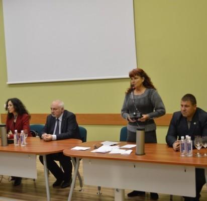 """Į susitikimą su Aplinkos ministru V. Mazuroniu – pilna """"Pušyno"""" salė"""