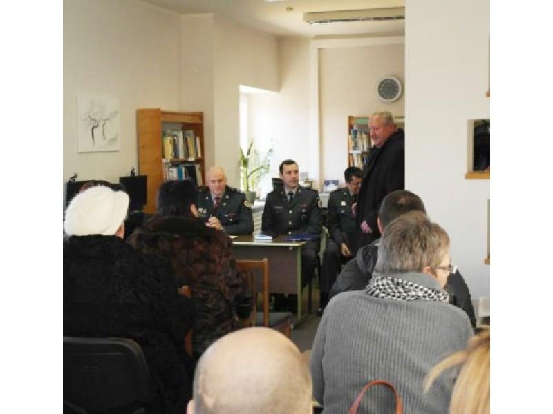 Policijos pareigūnai susitiko su Šventosios gyventojais