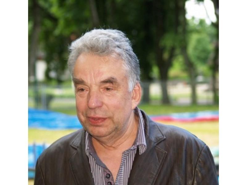 J. A. Valužis