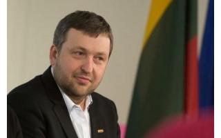 Antanas Guoga ragina aktyviai remti savo šalies kariuomenę