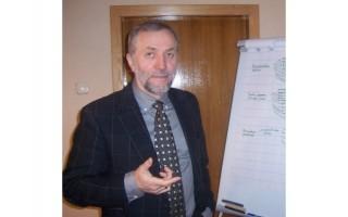 """Gimnazijos direktorius Leonas Šidlauskas: """"Nesant abitūros egzaminų, aukšti vertinimai pasipiltų  už nieką"""""""