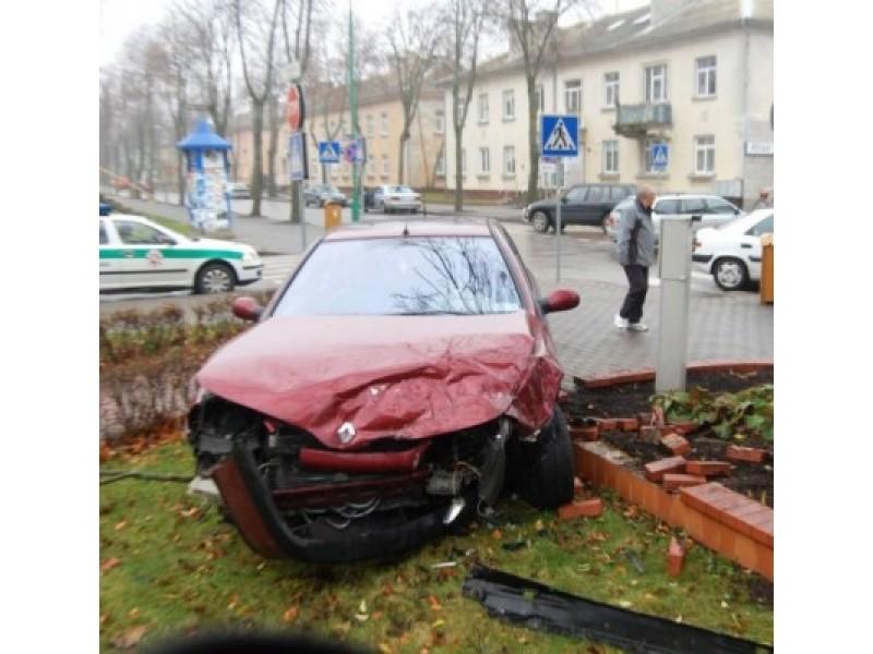 Po Pasaulinės dienos žuvusiems eismo įvykiuose atminti – dvi avarijos
