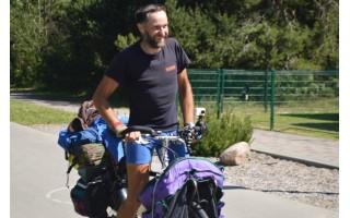 Baltijos jūros krantus apžvalgė keliaudamas dviračiu