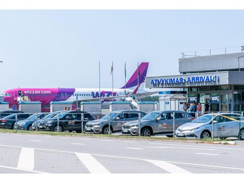Palangos oro uosto takus rekonstruos latvių bendrovė
