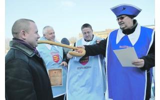 Prie Palangos stintų šventės prisijungs latviai – keps agurkais kvepiančią žuvį