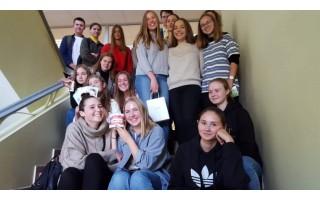 Palangos mokyklos mokslo metus baigs nuotoliniu būdu, abitūros egzaminai vyksa Baltijos pagrindinėje mokykloje