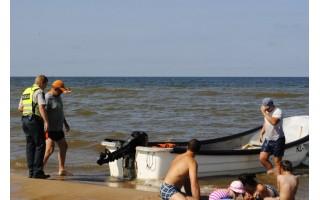 Reidas Palangos pajūryje: nuo sprunkančių valčių iki irzlių poilsiautojų