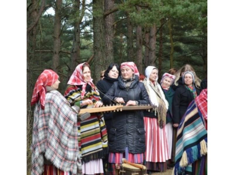Ant Naglio kalno skambėjo dainos ir legendos