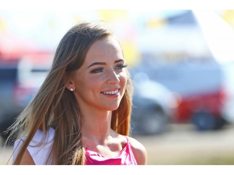 Socialinių tinklų super-žvaigždė  Monika Šalčiūtė už savaitgalio poilsį Palangoje yra mokėjusi tiek, kiek Ispanijoje ar Italijoje