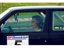 Ši nuotrauka daryta per lenktynes, kai Tomo BMW tik per stebuklą neišskriejo iš trasos.