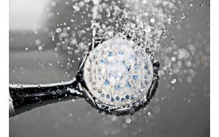 Praktiniai patarimai: į ką atkreipti dėmesį įrengiant dušo kabiną?