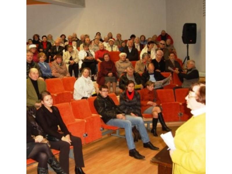 """Be """"Litesko"""" atstovų – renginys virto į nykštukinių partijėlių-judėjimų rinkimų šou"""
