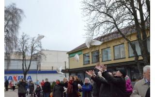 Kultūros dieną Palangoje suplevėsavo Taikos vėliava