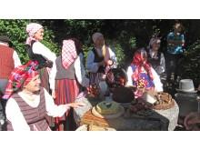 """""""Mėguva"""" priminė ir žemaitiškas dainas, ir M. Valančiaus aprašytus liaudies žaidimus."""
