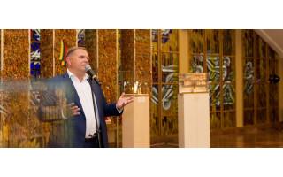Seimo nario Mindaugo Skritulsko sveikinimas Karaliaus Mindaugo karūnavimo ir Tautiškos giesmės dienos proga