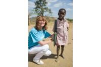 Palangos mylėtoja bado kamuojamoje Afrikoje liko priblokšta