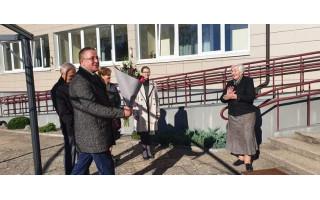 Miesto vadovai sveikino socialinius darbuotojus Šventojoje, aplankė Globos namus (FOTO GALERIJA)