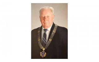 Eidamas 95-ousius mirė buvęs Palangos miesto meras Justinas Šatkauskas