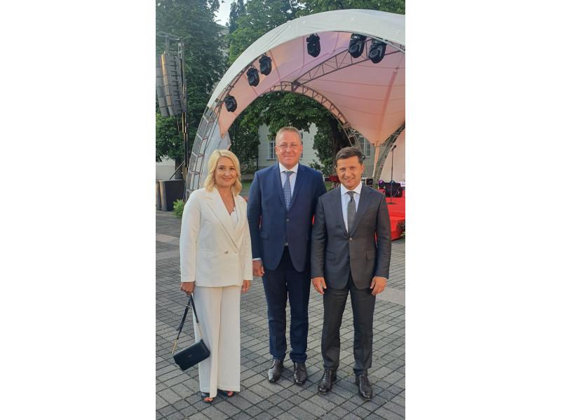 Meras Šarūnas Vaitkus ir Vilma Vaitkienė su Ukrainos Prezidentu Volodomyr Zelensky