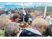 Šventės svečiai noriai degustavo sveiką maistą.