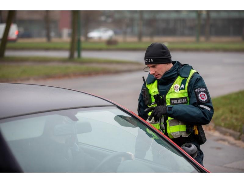 Palangoje gruodžio 31 d. patikrinta 2250 automobilių, neįleista 88, surašyti 5 protokolai už KET pažeidimus