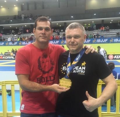 """(Dešinėje) Palangos """"Roger Gracie Academy"""" įkūrėjas ir Europos čempionato čempionas Žydrūnas Drazdas."""