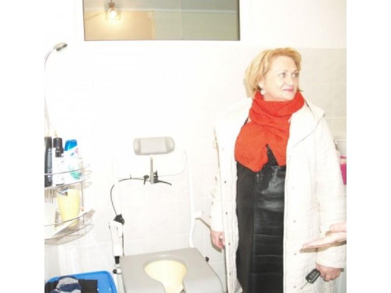 A.Karteškiną, kaip ir Deividą bei jo mamą, itin džiugina specialiai įrengtas dušas.