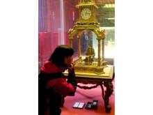 Imperatorių laikrodžių muziejuje. Williamson'o sukurtas laikrodis – robotas.