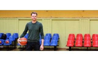 Profesionalaus krepšininko karjerą baigęs palangiškis Renaldas Seibutis ne tik sieks trenerio diplomo, bet ir patirtimi dalysis su studentais
