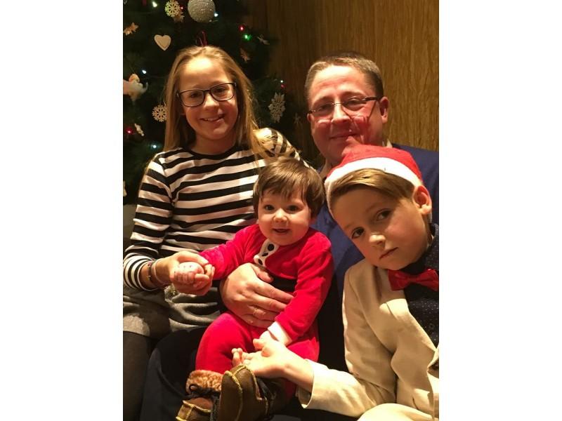 Mero Š. Vaitkaus didžiausias džiaugsmas -vaikai:  dukros Gabija ir Ievutė bei sūnus Domantas