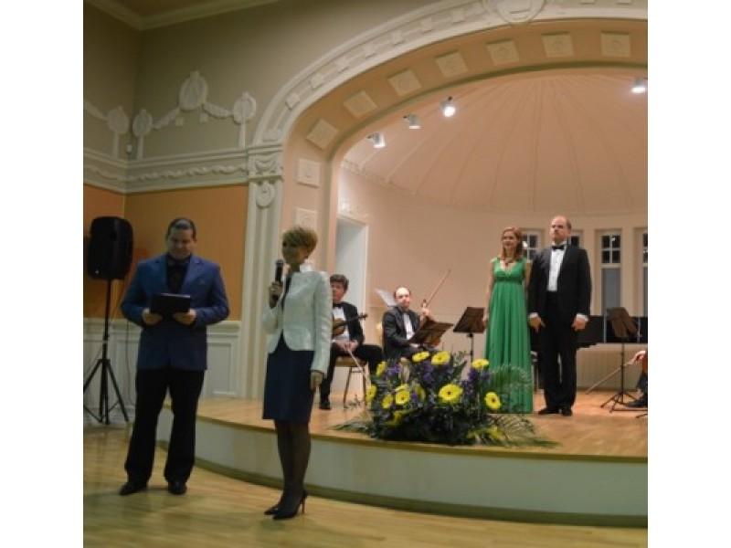 Būti dosniais kvietė klubo prezidentė I. Baužienė.