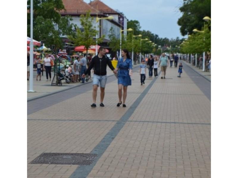 Pasak verslininkų, šiemet poilsiautojų daugiau sulaukta persiritus vasarai į antrąją pusę.