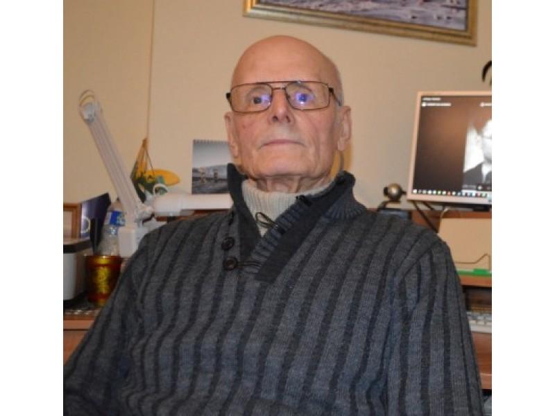 Kazimieras Algirdas Pečiukonis papasakojo apie jaunystėje išgyventus vargus, bet net ir iš šio laikmečio jis daug ko išmoko, gavo daug naudingų gyvenimiškų pamokų.
