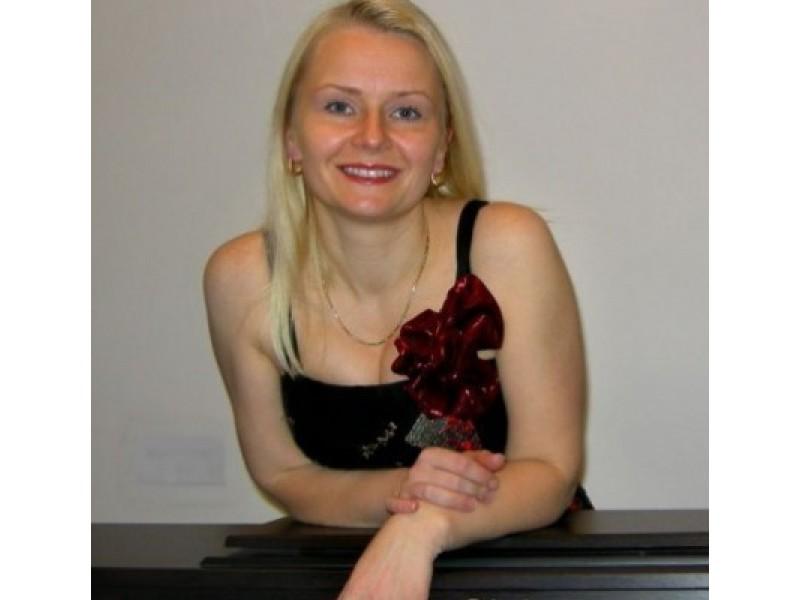 """A.Levickytė kviečia visus į šį sekmadienį prasidedančius ciklo """"Palangiškiai – Palangai"""" koncertus."""
