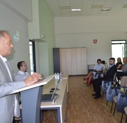 Estijos Respublikos Garbės konsulas dr. Virginijus Biskys apžvelgė Lietuvos ir Estijos diplomatinio ir verslo bendradarbiavimo istoriją.