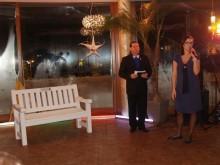 """Palangos moterų """"Lions"""" klubo prezidentė D.Žulkutė pristatė akciją """"Suoliukas Palangai""""."""