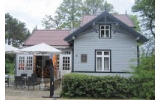 Dailininkas A. Žmuidzinavičius kūrė F. Tiškevičiaus statytame name