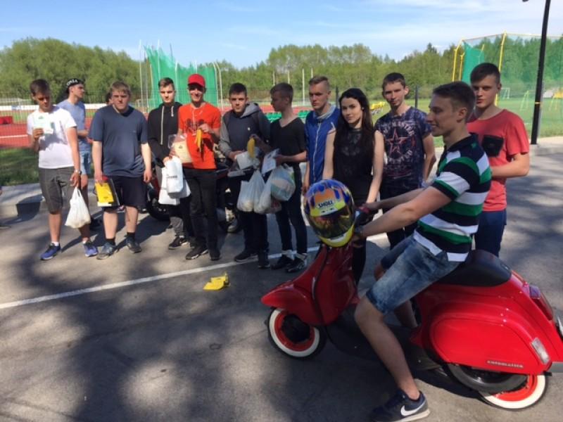"""""""Motorizuoti ir nepavojingi 2017"""" griausmingai pradėjo Palangos dviračių ir motorolerių sezoną"""